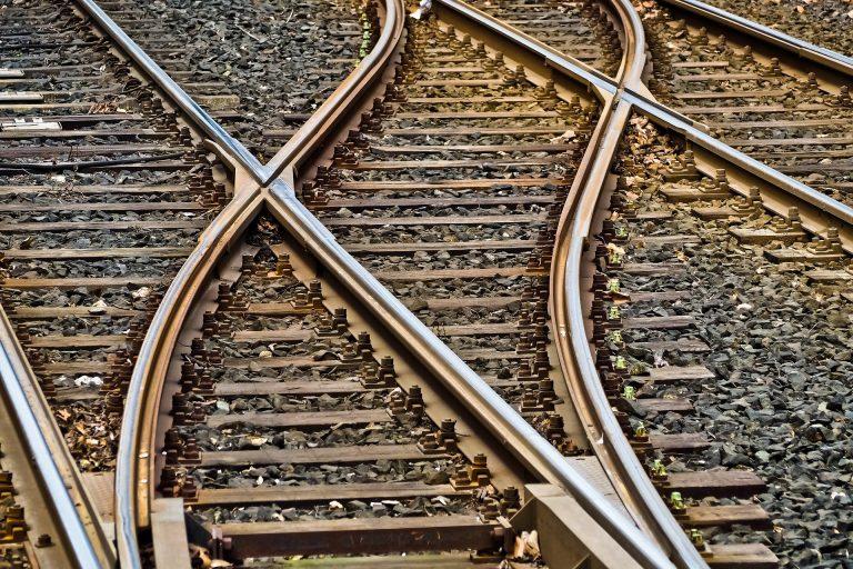 Jarosław: wtargnięcie pod pociąg